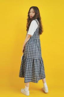 邮多多淘宝集运转运Pineapple Bun2019夏新款复古格子背带裙a字宽松无袖吊带连衣长裙