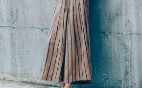 淘宝集运转运到日本QUEENSHOP 2019秋冬新品女装腰抽绳松紧直条纹棉麻阔腿裤04060279