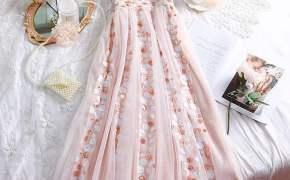 淘宝集运转运到英国很仙的裙子韩系温柔感甜美公主风吊带裹胸亮片闪闪连衣裙长裙女