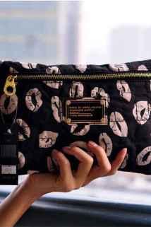 邮多多淘宝集运转运2020刺绣棉花单拉多功能化妆包卡包夹护照包长款证件包大容量