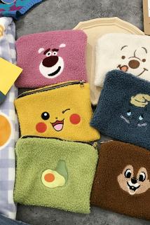 邮多多淘宝集运转运韩国ins网红手拿化妆包卡通可爱小熊羊羔毛绒绒收纳包大容量旅行