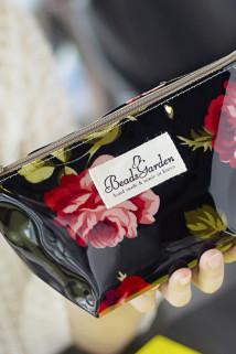 邮多多淘宝集运转运包邮韩国进口正品气质复古玫瑰花朵防水化妆包袋便携收纳包洗漱包