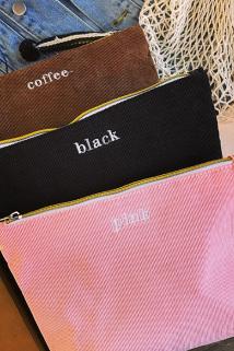 邮多多淘宝集运转运自制日系纯色字母简约手拿包毛球拉链灯芯绒化妆包便携洗漱收纳包
