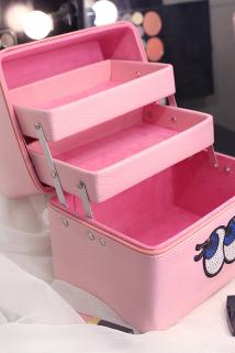 邮多多淘宝集运转运家用高档化妆包可爱日系大码便携洗漱包收纳盒折叠手提化妆箱多层