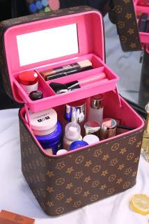 邮多多淘宝集运转运化妆包大容量简约韩手提化妆箱多层小号便携化妆品收纳包袋小方包