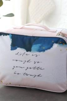 邮多多淘宝集运转运化妆包女2019新款小号便携超大大容量多功能化妆品收纳洗漱包