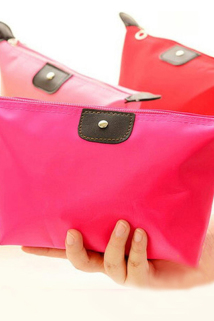 邮多多淘宝集运转运时尚便携大容量化妆包水饺包可折叠化妆品收纳袋小号防水收纳包