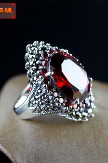 邮多多淘宝集运转运S925纯银饰品文艺款泰银复古马赛克女士大气精工镶嵌红石榴石戒指