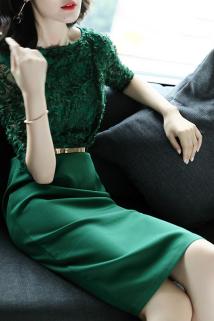 邮多多淘宝集运转运2020春秋装新款七分袖连衣裙典雅扎花修身气质绿色中长款一步裙女