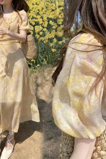 邮多多淘宝集运转运20年夏韩国东大门淡黄色收腰荷叶边V领印花小泡泡袖雪纺连衣裙女