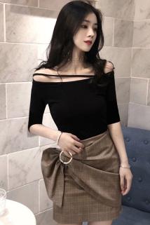 邮多多淘宝集运转运2021春夏新款韩版一字领短袖t恤女漏肩短款修身黑色中袖上衣